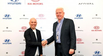 Hyundai and Kia Make Strategic Investment in Arrival signing ceremony 1